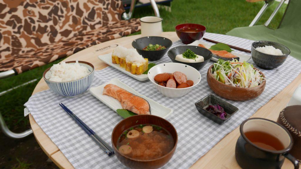 キャンプ和食朝食